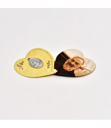 Immagine a forma di cuore con medaglia
