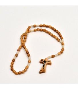 Rosário de madeira pequeno com padrão de renda de Tau